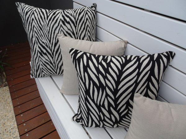 Malawi and Zanzibar Black on white bench